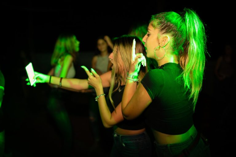 Nightclub drinking